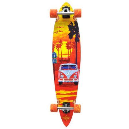 Dusters Highway One Longboard Orange 39 Longboard sticker paketi hediye. Dusters kaykayın doğduğu yer olan California'dan çıkıp dünyaya yayılmıştır. Dünyanınen çok satan markalarındandır. Kaykaycıların büyük sevgi ve saygısını kazanarak duruşunu ve kalitesini kanıtlamıştır. Dusters'ın tüm ürünlerinde en yüksek kalite tahta, truck, rulman ve tekerlek kullanılır. Uzunluk: 39 inc