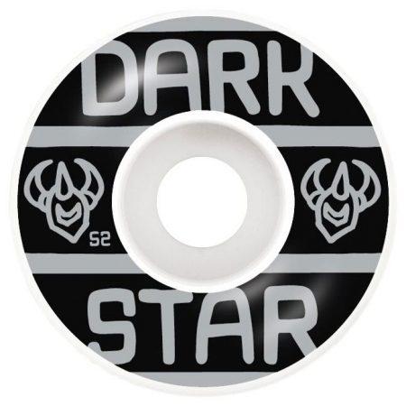 Darkstar 52 mm Block Silver Tekerlek Seti yanında sticker paketi hediye. Darkstar tekerlekler yüksek kalite urethane bileşiminden üretilmiştir. 1 paketin içerisinde 4 adet tekerlek vardır. fiyat 4 adet tekerlek için geçerlidir. 1 adet sipariş verdiğinizde 4 tekerlekten oluşan seti satın almış olursunuz. Sertlik: 99 A Darkstar Tarihi: Darkstar profesyonel kaykaycı Chet Thomas tarafından 1997 yılında kurulmuştur.Kurulduğu günden bu yana duruşunu bozmadan çok geniş bir kitleye hitap etmektedir. Bunun en büyük sebebi ürettiği tahta ve tekerlekler en üst kalite olmasından kaynaklanır. Aynı zamanda Darkstar kaykay dünyasının en elit takımlarından birisine sahiptir.