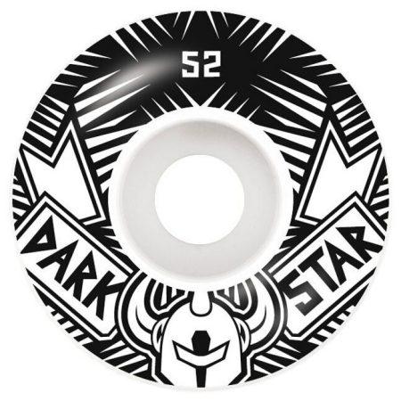Darkstar 52 mm Grand Tekerlek Seti yanında sticker paketi hediye. Darkstar tekerlekler yüksek kalite urethane bileşiminden üretilmiştir. 1 paketin içerisinde 4 adet tekerlek vardır. fiyat 4 adet tekerlek için geçerlidir. 1 adet sipariş verdiğinizde 4 tekerlekten oluşan seti satın almış olursunuz. Sertlik: 99 A Darkstar Tarihi: Darkstar profesyonel kaykaycı Chet Thomas tarafından 1997 yılında kurulmuştur.Kurulduğu günden bu yana duruşunu bozmadan çok geniş bir kitleye hitap etmektedir. Bunun en büyük sebebi ürettiği tahta ve tekerlekler en üst kalite olmasından kaynaklanır. Aynı zamanda Darkstar kaykay dünyasının en elit takımlarından birisine sahiptir.