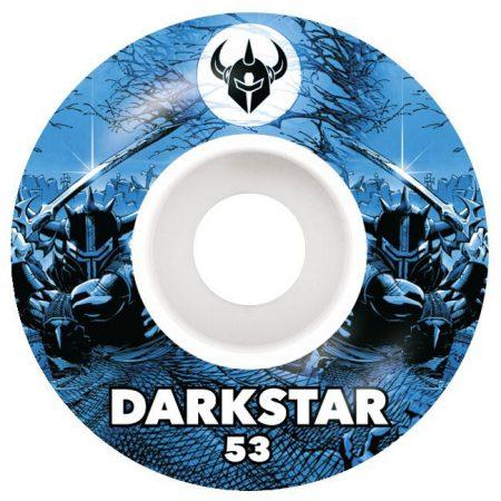 Darkstar 53 mm Throwback 2 Blue Tekerlek Seti yanında sticker paketi hediye. Darkstar tekerlekler yüksek kalite urethane bileşiminden üretilmiştir. 1 paketin içerisinde 4 adet tekerlek vardır. fiyat 4 adet tekerlek için geçerlidir. 1 adet sipariş verdiğinizde 4 tekerlekten oluşan seti satın almış olursunuz. Sertlik: 99 A Darkstar Tarihi: Darkstar profesyonel kaykaycı Chet Thomas tarafından 1997 yılında kurulmuştur.Kurulduğu günden bu yana duruşunu bozmadan çok geniş bir kitleye hitap etmektedir. Bunun en büyük sebebi ürettiği tahta ve tekerlekler en üst kalite olmasından kaynaklanır. Aynı zamanda Darkstar kaykay dünyasının en elit takımlarından birisine sahiptir.